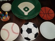 Sports Appetizer/Chip and Dip Set. in Conroe, Texas