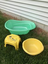Bath tub baby items all for $5.00 in Westmont, Illinois