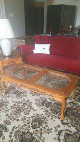 Coffee Table with 2 end table and a lamp in Fort Hood, Texas