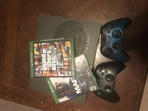 Xbox one s all cords 2 games 2controllers in Fort Polk, Louisiana