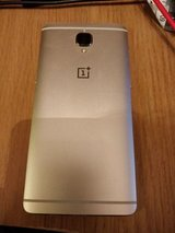 One Plus 3T white/gold in Ramstein, Germany