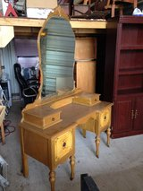 Vintage Dressing Table in Conroe, Texas