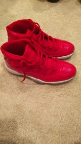 11 red size 12 in Camp Pendleton, California