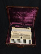 Vintage Cignolani Accordion / Master Craft Carry Case Made in Italy in Naperville, Illinois