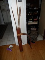 indonesian Arrow Shoulder case and 3 arrors in Cherry Point, North Carolina