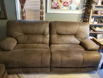 New couch less then 6 months old adking 900 makeoffer in Camp Lejeune, North Carolina