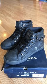 U.S. Polo Assn. Women's Shoes Size 8 in Naperville, Illinois