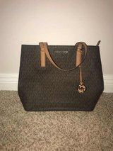 New with Tags Michael Kors Purse in Glendale Heights, Illinois