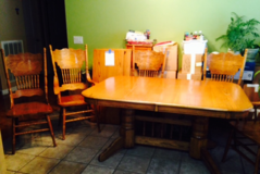 Furniture Solid Oak Table & Chairs in Beaufort, South Carolina