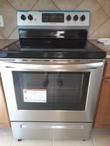 Brand new Frigidaire smooth cooktop oven in San Antonio, Texas