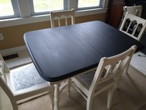 Small Vintage Dining Table in Orland Park, Illinois