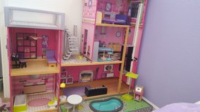 ***DOLLHOUSE in Vacaville, California