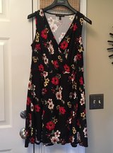 1X Flowered Dress in Chicago, Illinois