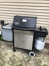 Weber Genesis Grill w/Tank and New Weber Grids in Glendale Heights, Illinois