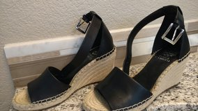 Vince Camuto wedge's 7 1/2 in Fort Lewis, Washington