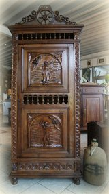 antique Brittany linen cabinet in Hohenfels, Germany