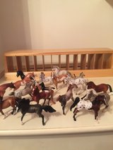 Breyer Horse Stablemates 15 and 3 Foals with Wood Show Box in Conroe, Texas