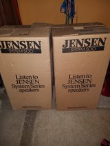 Great Shape pair of Vintage Stereo speakers in original box in Sandwich, Illinois