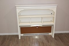 EXCELLENT condition white hutch with working lights! NEW!! in Spring, Texas