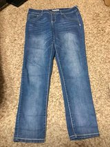 Maurices Jeggings Pair #1 in Fort Leonard Wood, Missouri