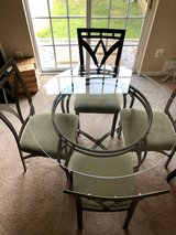 Dinning Table with 4 Chairs in Quantico, Virginia
