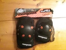 New Mongoose knee/elbow pads (kids) in Beaufort, South Carolina