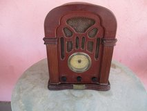 Thomas EDISON Reproduction Radio w/cassette player in Yucca Valley, California