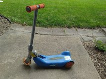Kids 3 Wheel Razor Scooter in Naperville, Illinois