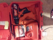 Milwaukee 12m drill batterey n charger in 29 Palms, California