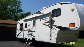 31 ft fifth wheel rv in Chicago, Illinois