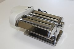 (Slighty Used) PME ESR505 Craft Roller And Strip Cutter For Cake Decorating - USA Plug, Standard... in Okinawa, Japan