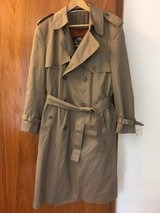 LONDON FOG DOUBLE BREASTED TRENCH COAT WITH LINER in Stuttgart, GE