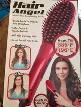 hair straightener brush in Aurora, Illinois