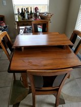 Kitchen table in Katy, Texas