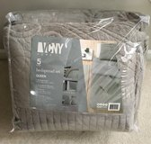 NEW QUEEN Gray Bedding Set in Bartlett, Illinois