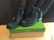 Women's Earth Ankle Boot, Sz 9, NEW in New Lenox, Illinois