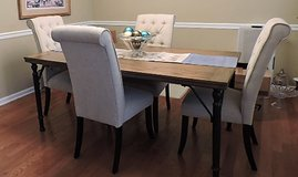 Table & 4 chairs in Pleasant View, Tennessee