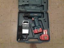 3/8 MAKITA DRILL -w/ 2 Batteries and Charger in Beaufort, South Carolina