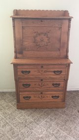Ladies / Childs Desk in Alamogordo, New Mexico