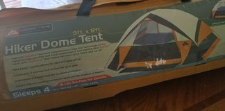 4 Person tent 9ft × 4ft in Fort Belvoir, Virginia