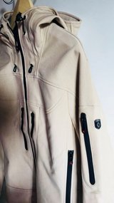 Softshell Jacket coat hooded jacket M new original price 219€ in Ramstein, Germany