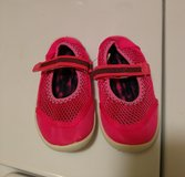 Girls water shoes size 9-10 in Fort Hood, Texas