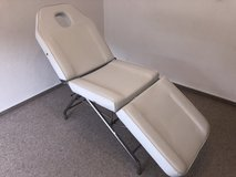 Facial / Massage Table in Ramstein, Germany