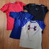 4 Under Armour Boys Shirts in Glendale Heights, Illinois