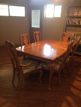 Dinning Table w/6 Chairs in San Antonio, Texas