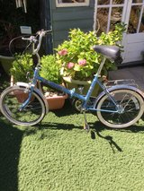 folding bike,also have a red one the same in Lakenheath, UK