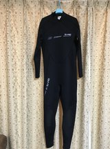 Bare brand men's size XL wetsuit in Okinawa, Japan