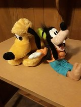 Goofy and Pluto Set in Kingwood, Texas