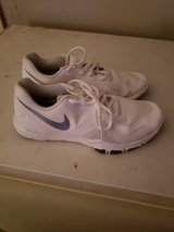 mens nike shoes wore 1 time sz 9 in Conroe, Texas