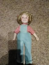 Shirley temple with doll stand in Oswego, Illinois